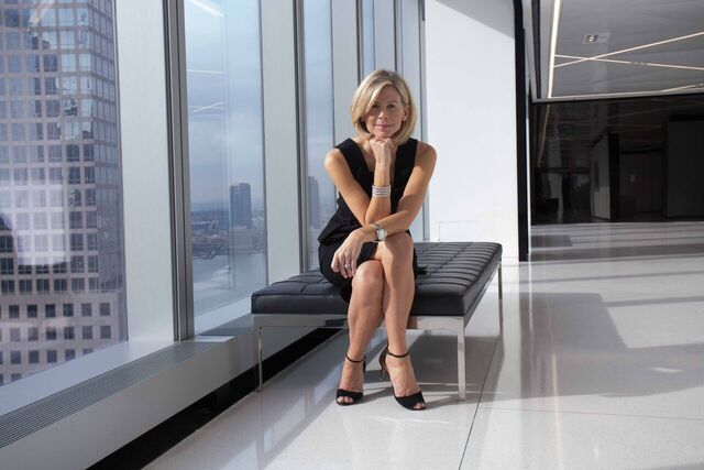 HOW TO REINVENT YOURSELF IN THE CAREER WORLD
