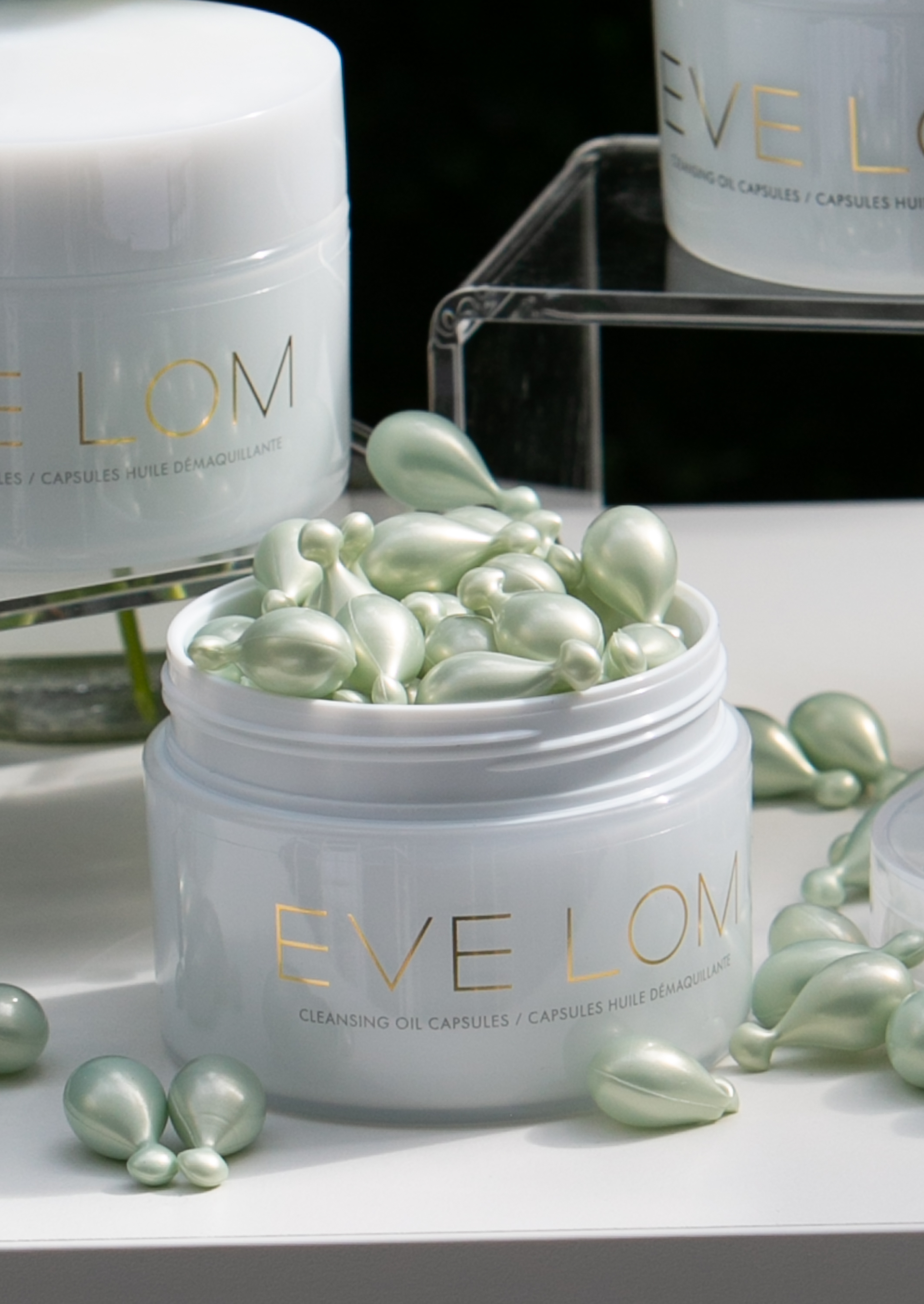 eve lom oil cleansing capsule