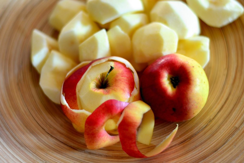 SLICED FUJI APPLES